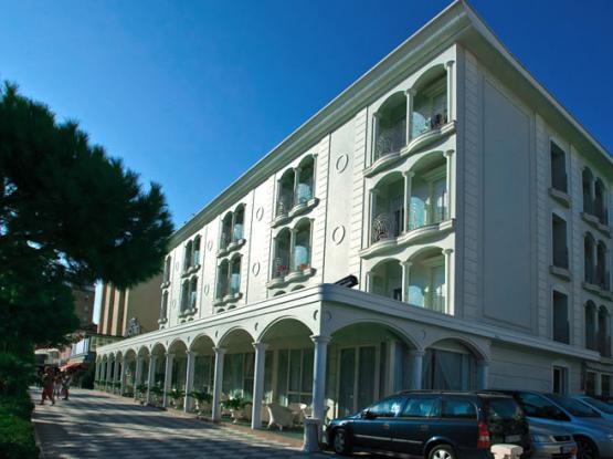 Hotel-Croce-malta-esterno-555x415