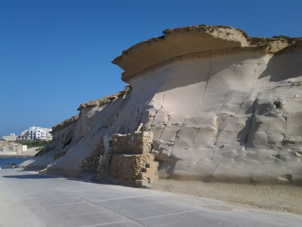 Malta-scogliera