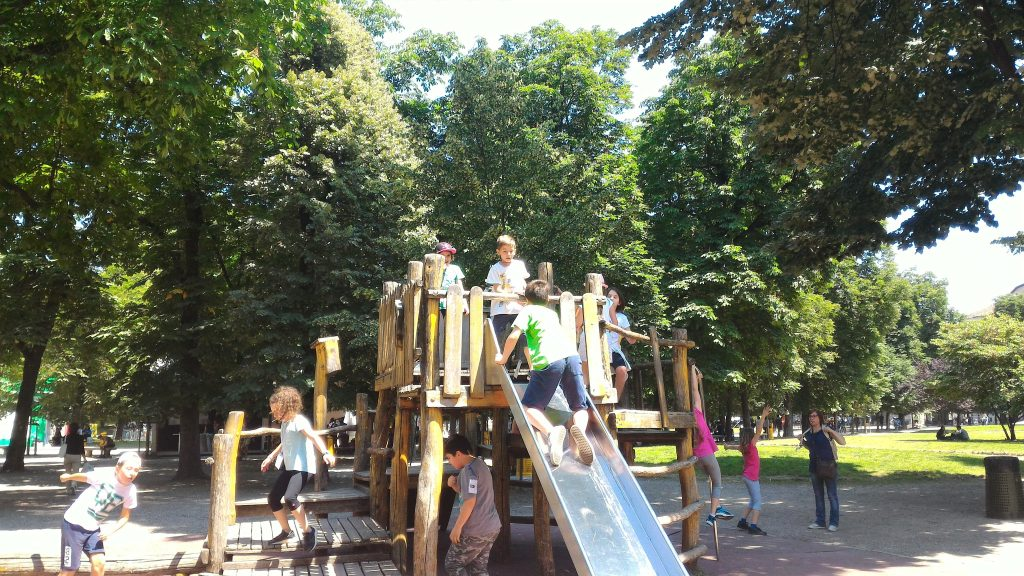 giochi ai Giardini Idro Montanelli Milano