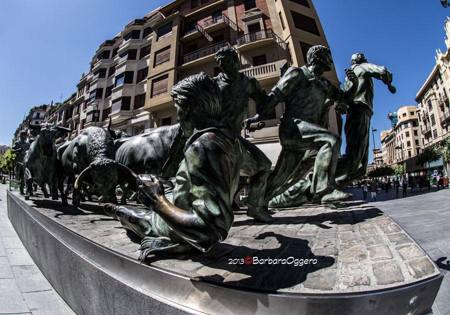 Pamplona scultura encierro