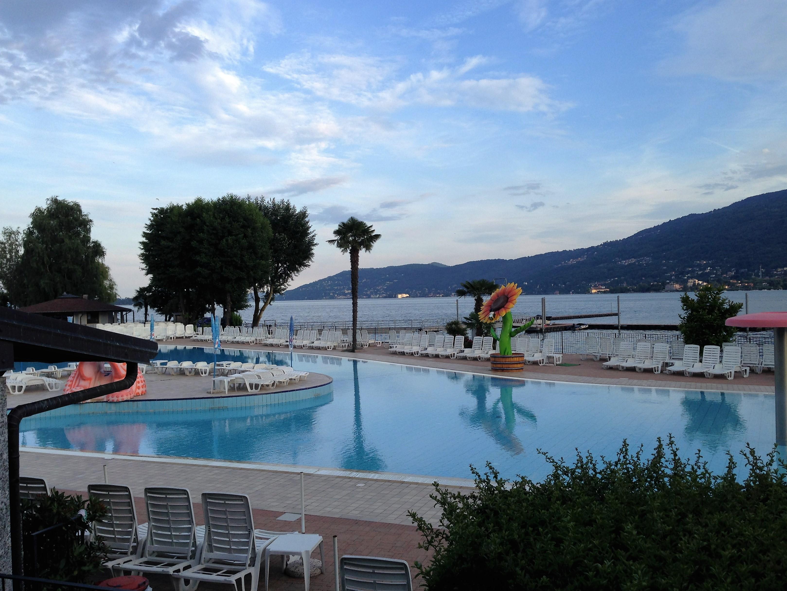 Piscina camping isolino viaggi per famiglie - Camping en oliva con piscina ...