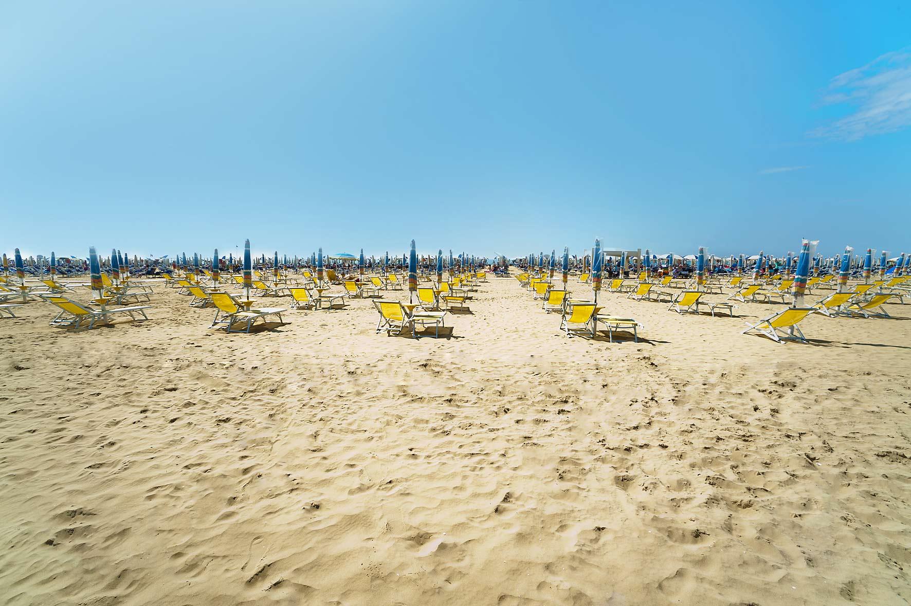 Matrimonio Spiaggia Bibione : Bibione spiaggia viaggi per famiglie