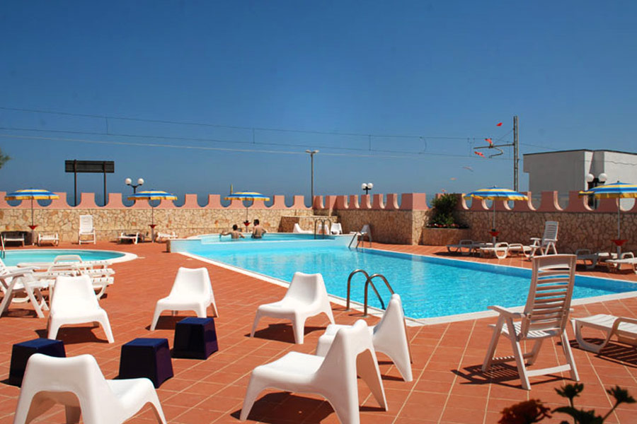 hotel-sole-piscina
