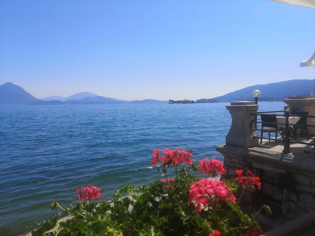 vista sul Lago maggiore e terrazza